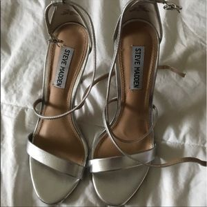 Steve Madden Silver Heels in great condition!